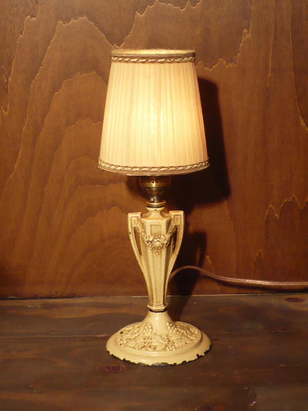 イタリア製シェードテーブルランプ1灯 白、デスクライト Lct 0153
